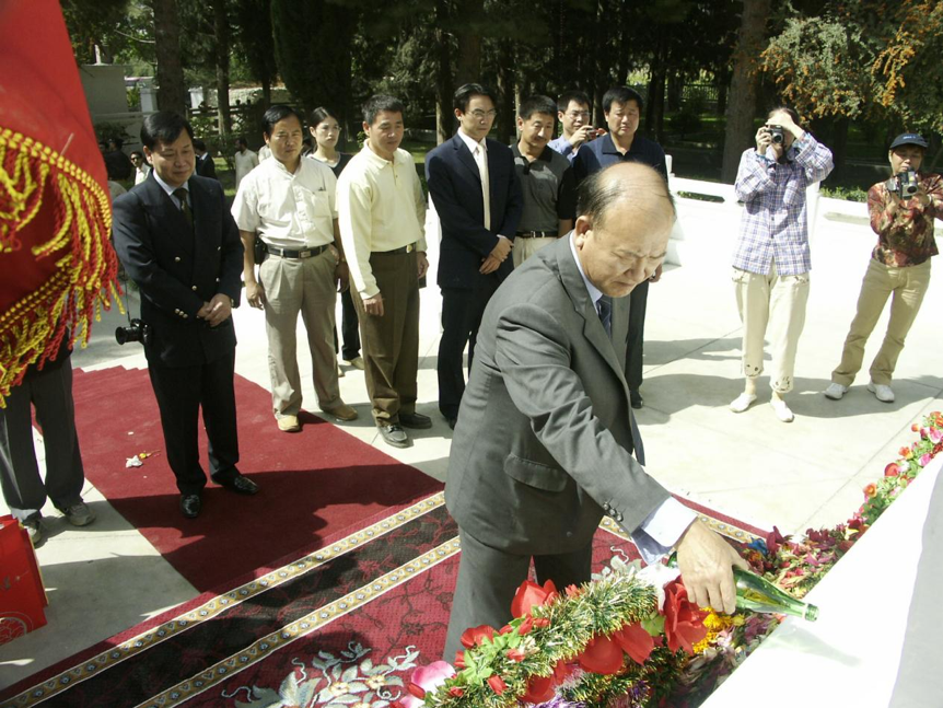"""""""We Shed Our Blood and Sweat Together at KKH"""" , says former Chinese Ambassador"""