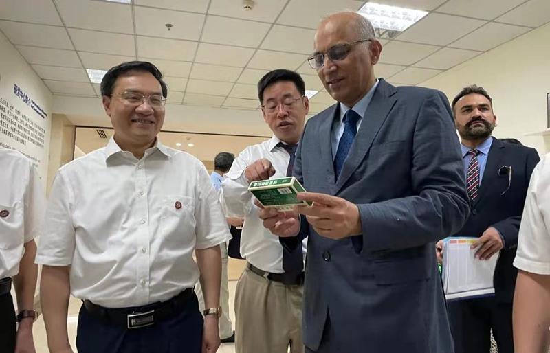 Pakistani envoy thanks Hunan pharmaceutical firms for helping Pakistan combat COVID-19